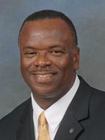 Larry Lee Jr. (L)